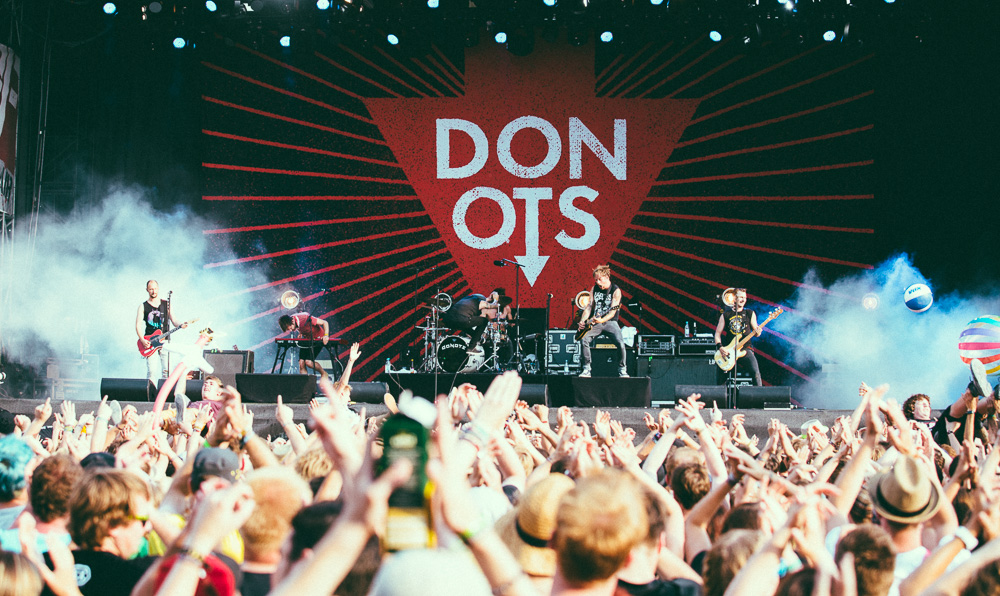 donots_open_flair_2015_live_11