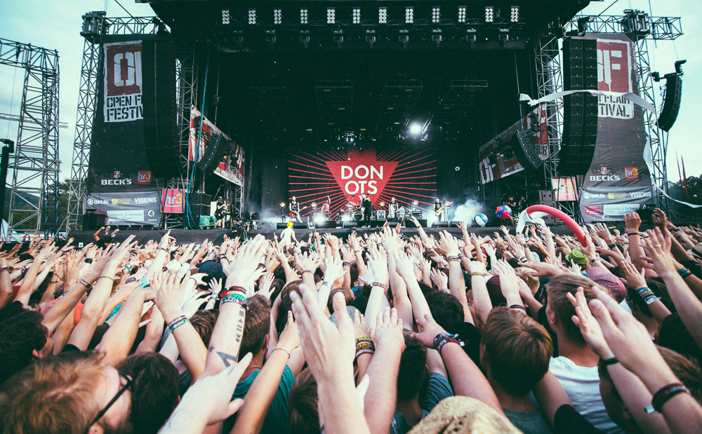 donots_open_flair_2015_live_16
