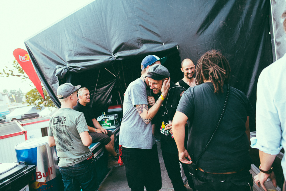 donots_open_flair_2015_live_34