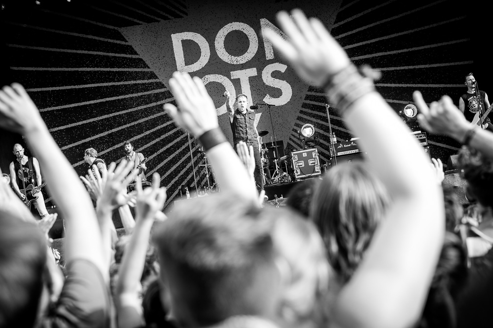 donots_open_flair_2015_live_8